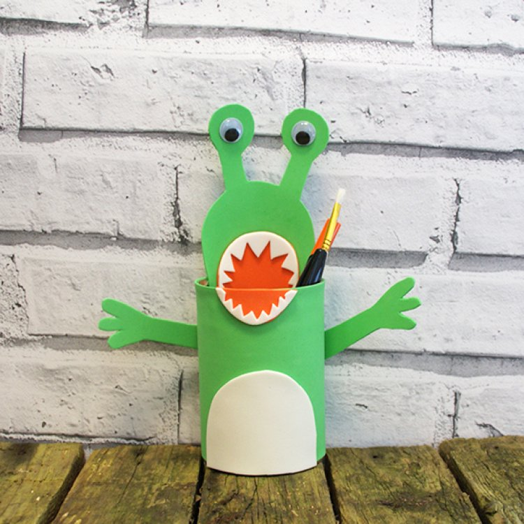 Kids Craft Project: Make Your Own Alien... | The Craft Blog